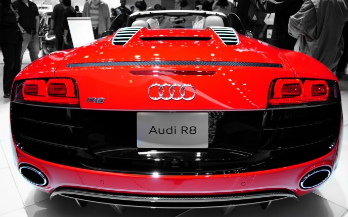 Download Wallpaper Audi R8 Back