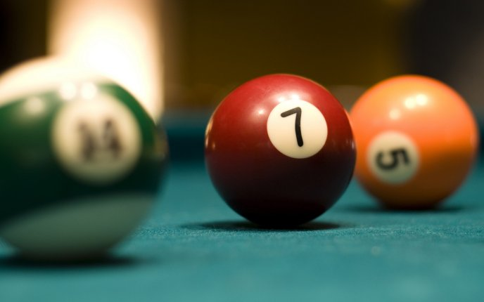 Download Wallpaper Red billiard ball number 7