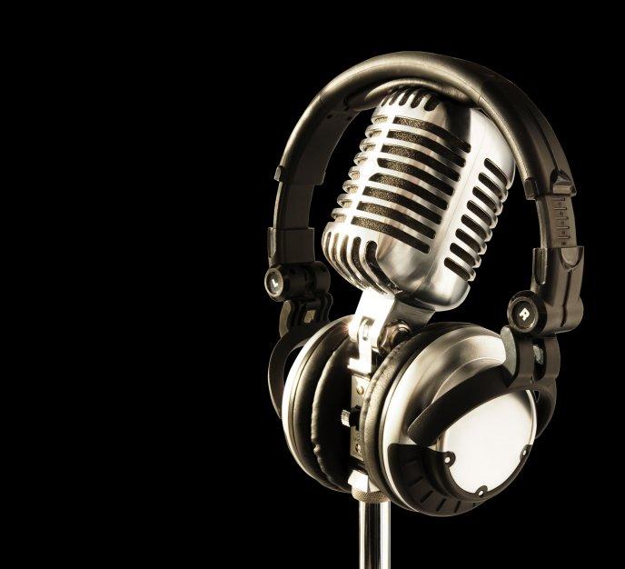 Headphones Wallpaper: Microphone And Headphones HD Wallpaper
