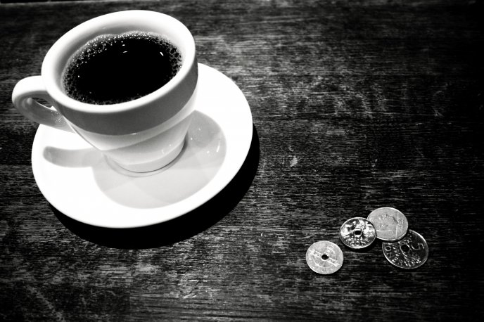 Download Wallpaper Coffee time - black and white morning
