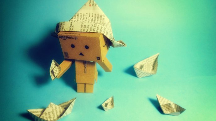 Download Wallpaper Danbo box making paper boat