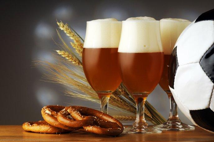 பீர் பற்றிய  உண்மைகள் 3646_Beer-pretzels-and-football-perfect-combination