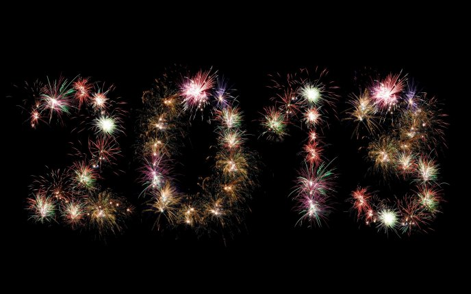 Fireworks at midnight - Welcome 2013 HD wallpaper