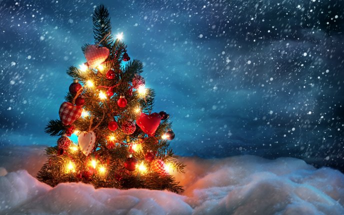 Snowing heavily over the Christmas tree - HD wallpaper