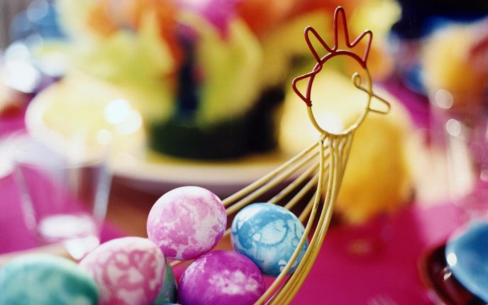 Artistic Easter wallpaper - eggs in a basket