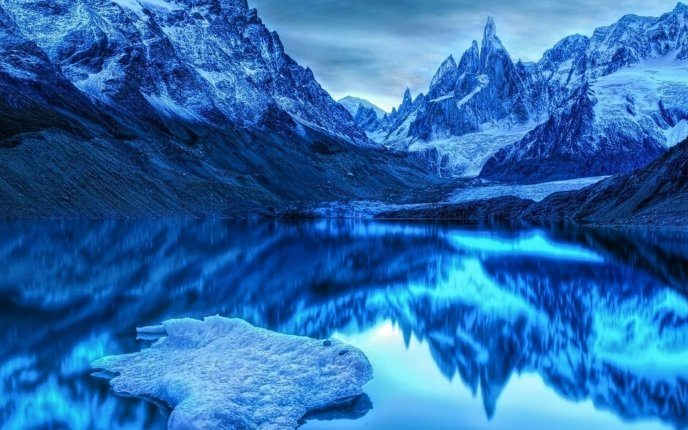 Beautiful Ice View Of The Mountains Hd Wallpaper