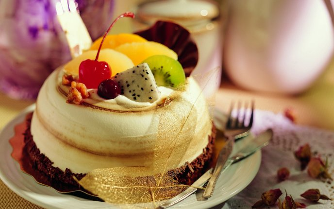 Sweet creamy cake with fruit - delicious moment