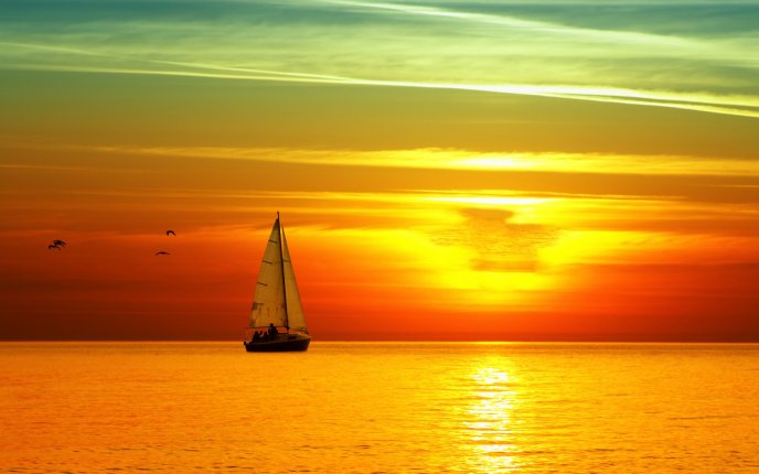 Hot colors of the sun - beautiful sunset over the sea
