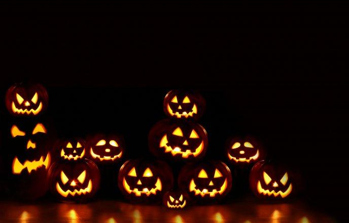 Halloween Pumpkins Light In The Night