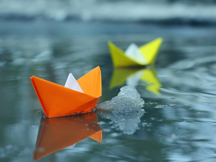Paper boat - funny race