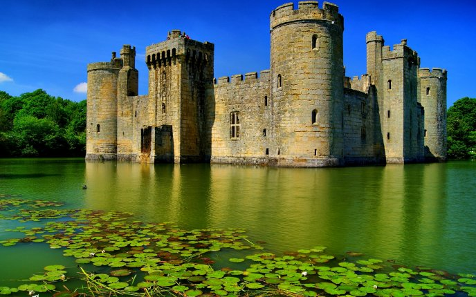 Old Famous Castle In The Middle Of A Lake Hd Wallpaper