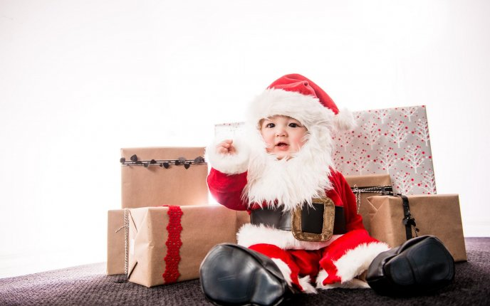 Christmas Baby Images Hd.Wonderful Baby Santa And The Gifts Hd Winter Holiday