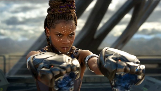 Furious woman actress from Black Panther in action - Movie
