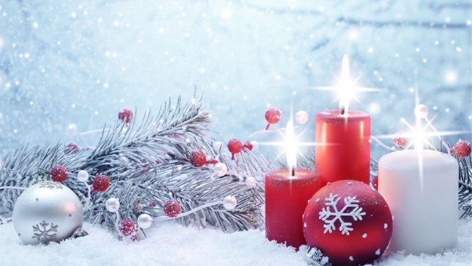 Warm Light From Christmas Candles Magic Moments