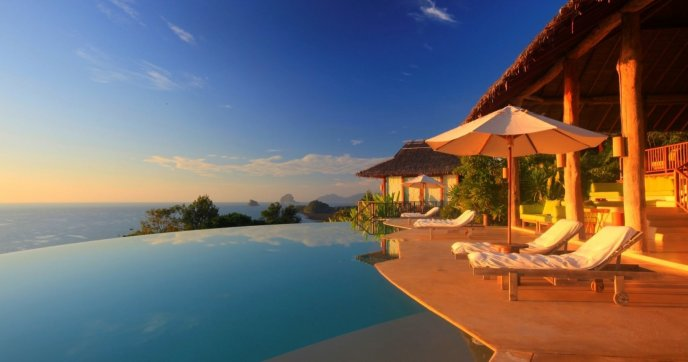 Swimming pool on terrace - Wonderful romantic view