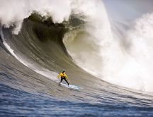 Doing surf on a big wave