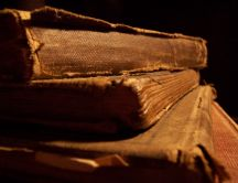 Old book full of truths HD wallpaper