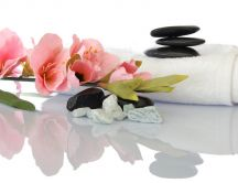 Relaxation spa set - stones, flowers and water