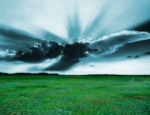 Sunshine penetrate the dark cloud - spring HD wallpaper