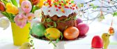 Special cake and painted eggs - Easter menu