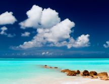 Blue water and blue sky - beautiful hd landscape