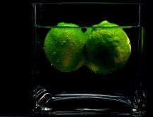 Fresh water with limes - HD wallpaper