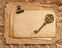 The key of your soul and the vintage paper