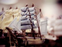 Little ship on the ocean - HD macro wallpaper