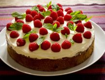 Delicious raspberry cake perfect for the weekend
