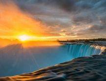 Sunrise over the Niagara Falls - Fantastic moment