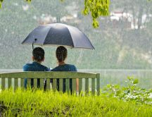 Beautiful couple in the rain - HD wallpaper