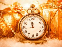 It is time for presents - golden time is midnight