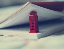 London Telephone box - Funny Bookmark HD wallpaper