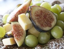 France food - Grapes figs and old cheese - HD wallpaper