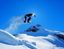Spectacular salt with snowboard - Beautiful winter season