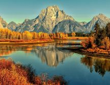 Nature landscape mountain and lake - Autumn season