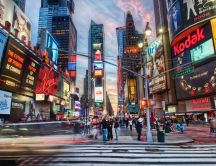Times Square million of people every day - HD wallpaper