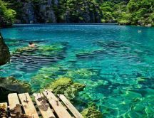 Wonderful green and blue ocean water - Kayangan Lake