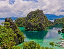 Wonderful island in Philippines - Nature in the water