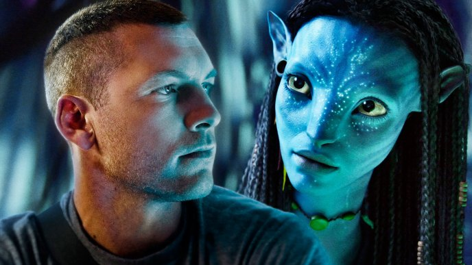 Avatar - Neytiri looking at Jake Sully