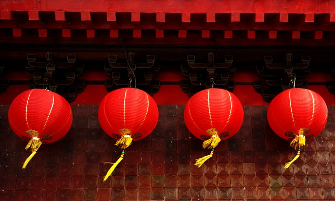 Big red Chinese lanterns HD wallpaper