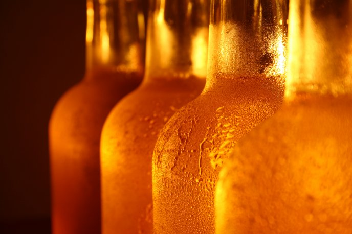 Freshly bottled beer - close up HD wallpaper