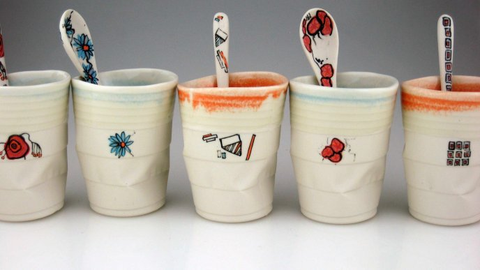 Download Wallpaper Funny Paper Cups For Tea And Coffee HD