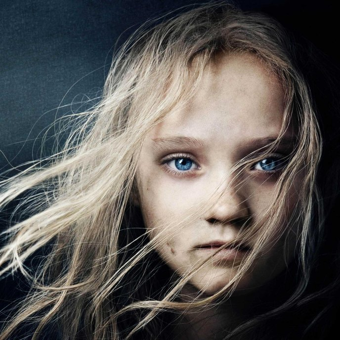 Beautiful blonde child - Les miserables