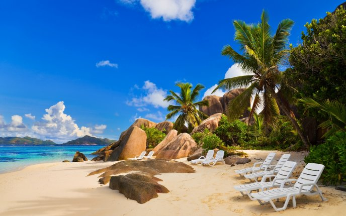 Chairs on exotic beach - HD wallpaper