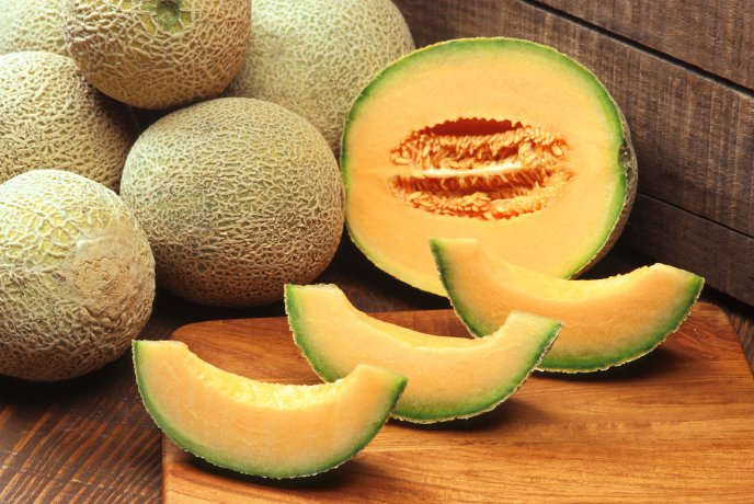 Delicious slices of cantaloupes - HD wallpaper