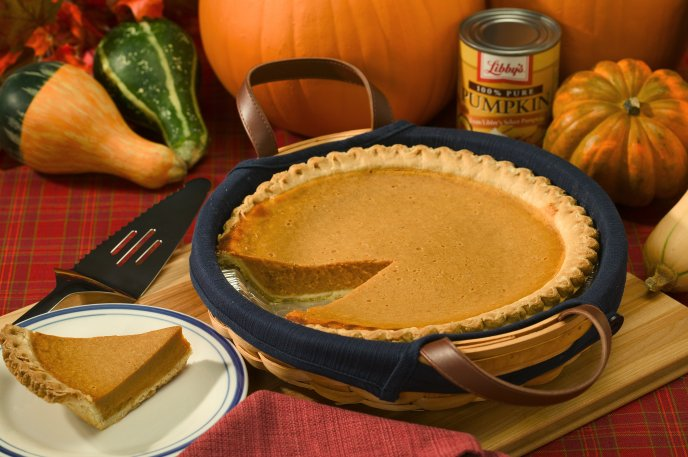 Delicious slice of pumpkin pie - HD wallpaper