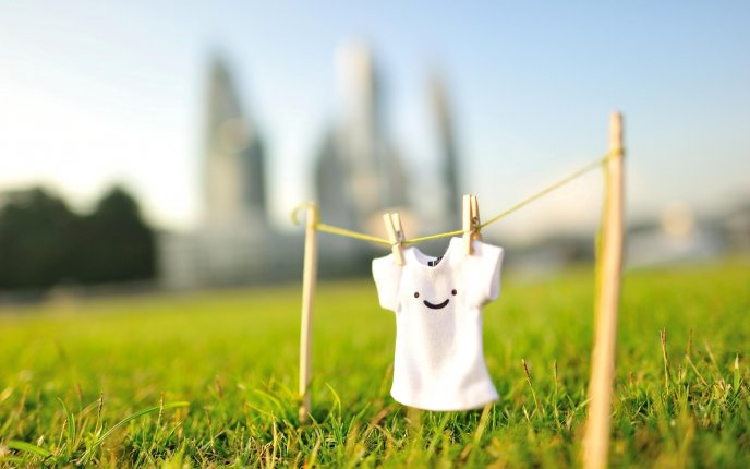 Happy T-shirt in the nature - HD wallpaper