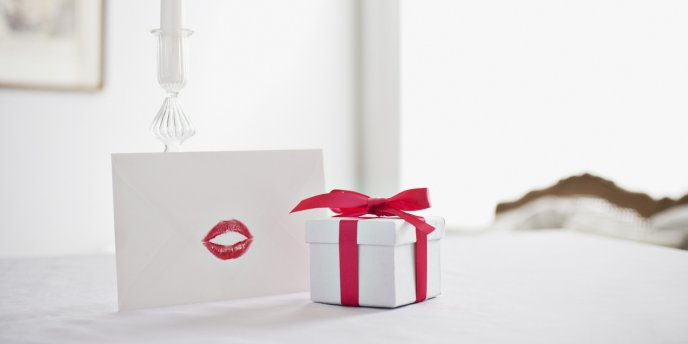 Love letter and delicious red lips - Happy Valentines Day