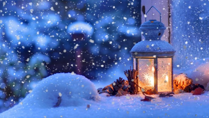 Download Wallpaper Warm Candle In A Cold Winter Night